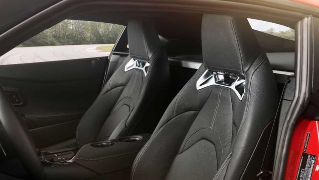 Toyota Supra кожаный салон автомобиля
