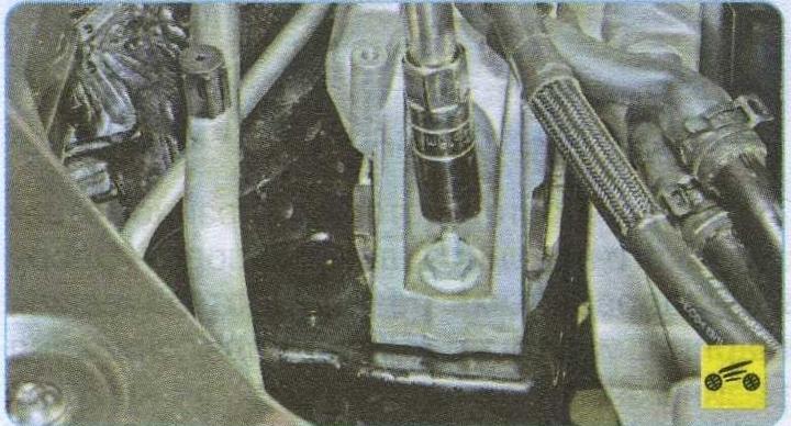 болты крепления опоры Volkswagen Tiguan