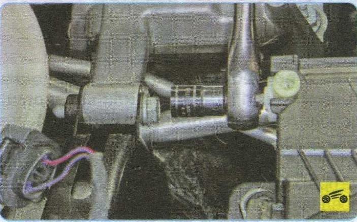 нижняя шпилька Volkswagen Tiguan, подвеска силового агрегата Volkswagen Tiguan