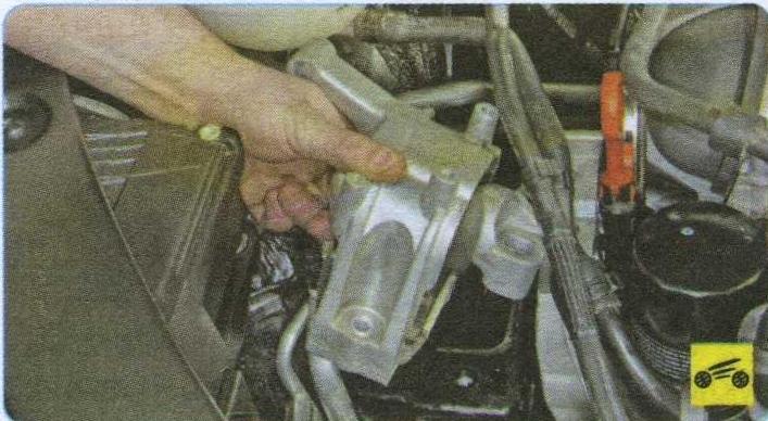 болты крепления опоры Volkswagen Tiguan, кронштейн двигателя Volkswagen Tiguan