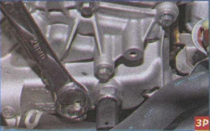 датчики Renault Duster, отверстие корпуса термостата Renault Duster