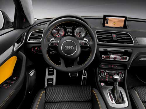 салон автомобиля Audi Q3
