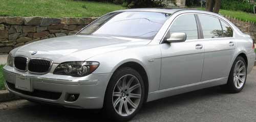 автомобиль BMW 7 Series