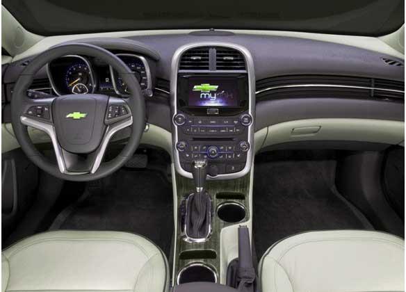 панель приборов Chevrolet Malibu, салон Chevrolet Malibu