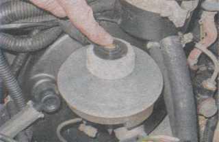 бачок гидропривода тормозов Chevrolet Niva