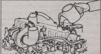 доливка машинного масла в двигатель Hyundai HD 120