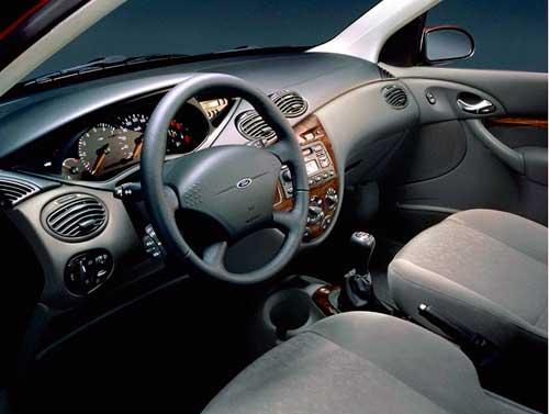 салон Ford Focus,  Focus Seda, Focus Turnier