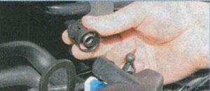 патрубок крышки головки блока цилиндров Ford Focus 2