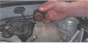 крышка расширительного бачка системы охлаждения Renault Sandero