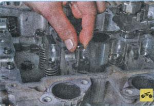 крепление крышки распредвала Mitsubishi Pajero Sport, крепление крышки распредвала Mitsubishi L200