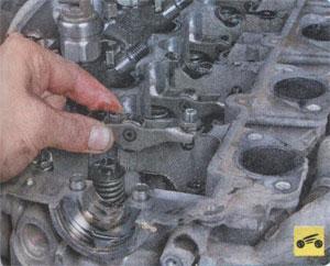 маслосъёмные колпачки Mitsubishi Pajero Sport, маслосъёмные колпачки Mitsubishi L200