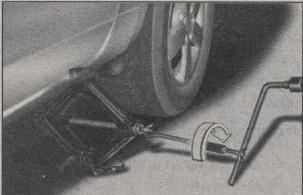 поддомкрачивание автомобиля Kia Sportage