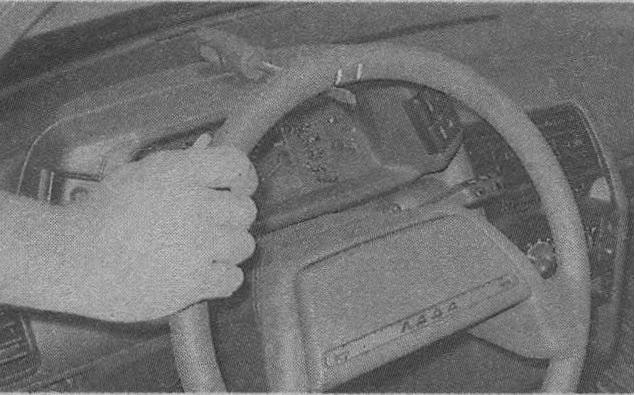 рулевое управление ВАЗ 2110, проверка люфта руля 2110