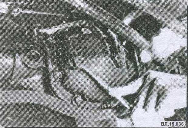 проверка уровня масла в заднем мосту Volvo 940