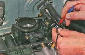 напряжение при включенном зажигании Renault Logan