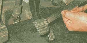 педаль тормоза Renault Sandero, педаль тормоза Dacia Sandero