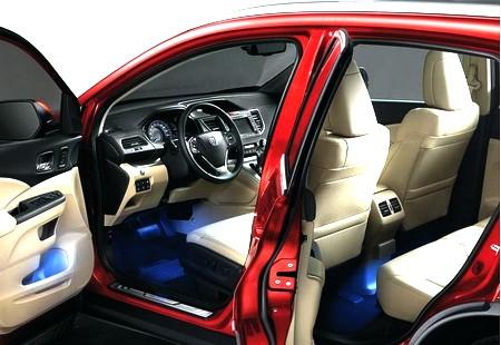 автомобиль Honda CR-V 2012, салон автомобиля Honda CR-V 2012, рулевое управление Honda CR-V 2012