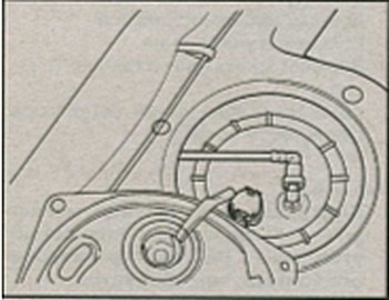 крышка смотрового отверстия топливного бака Nissan Almera