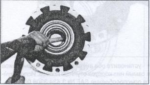 снятие набора колесных подшипников в колесе SAF
