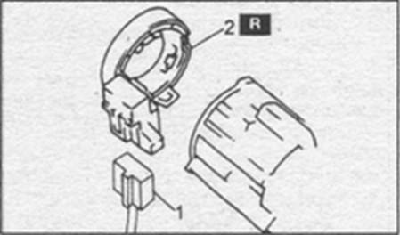 разъем питания аккумуляторной батареи Mazda 323, антенна транспондера Mazda 323, снятие антенны в Mazda 323