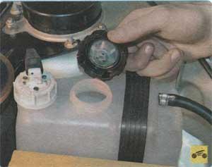 доливка охлаждающей жидкости Ваз 2113, доливка охлаждающей жидкости Ваз 2114, доливка охлаждающей жидкости Ваз 2115